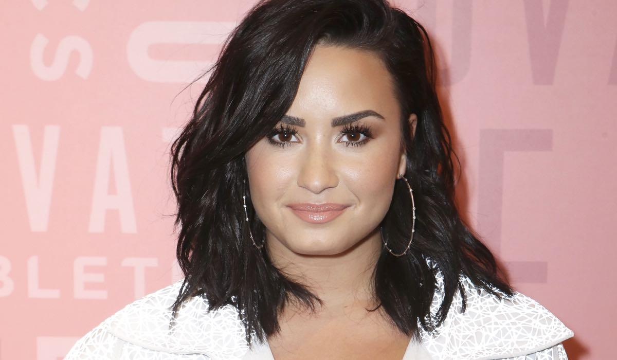 Demi Lovato credits Ari Perilstein e GettyImages