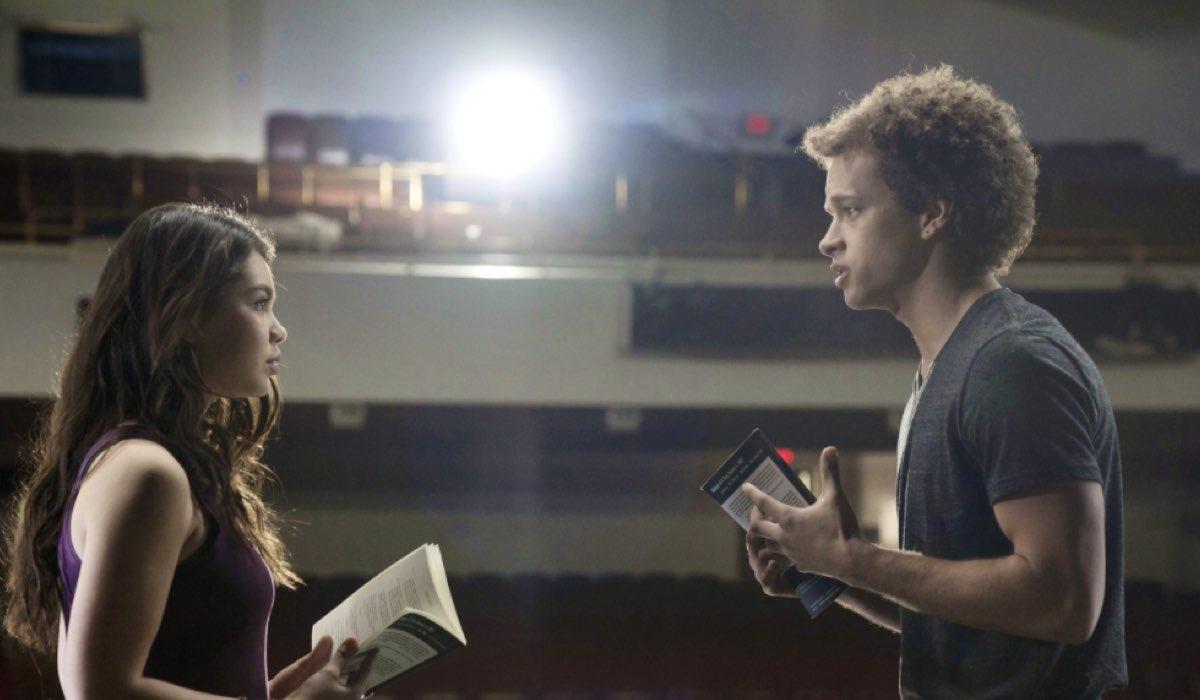 Rise AULI'I CRAVALHO interpreta LILETTE E DAMON J. GILLESPIE interpreta ROBBIE Credits Universal e Mediaset
