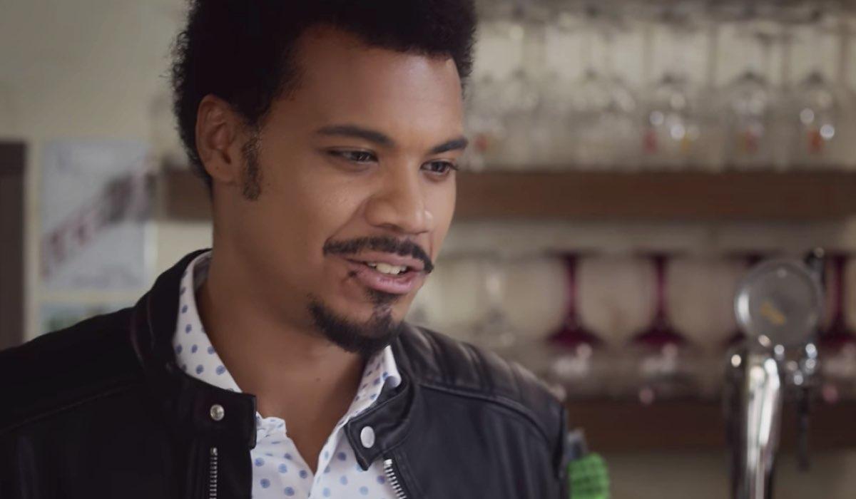 Nero a metà Malik interpretato daMiguel Gobbo Diaz nella puntata L'apparenza inganna parte 2 Credits RAI e Netflix