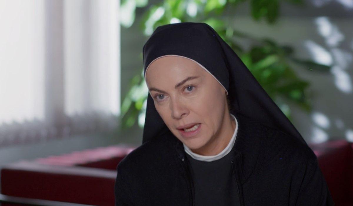 Che Dio Ci Aiuti 5 Suor Angela interpretata da Elena Sofia Ricci Credits RAI