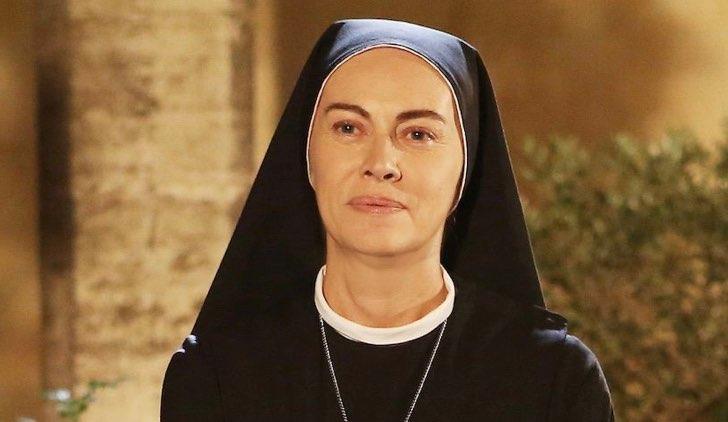 Che Dio Ci Aiuti fiction con Elena Sofia Ricci nei panni di Suor Angela Credits Rai