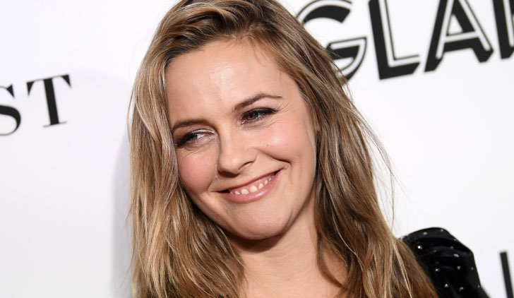 Alicia SIlverstone American Woman serie tv Credits Getty Images.