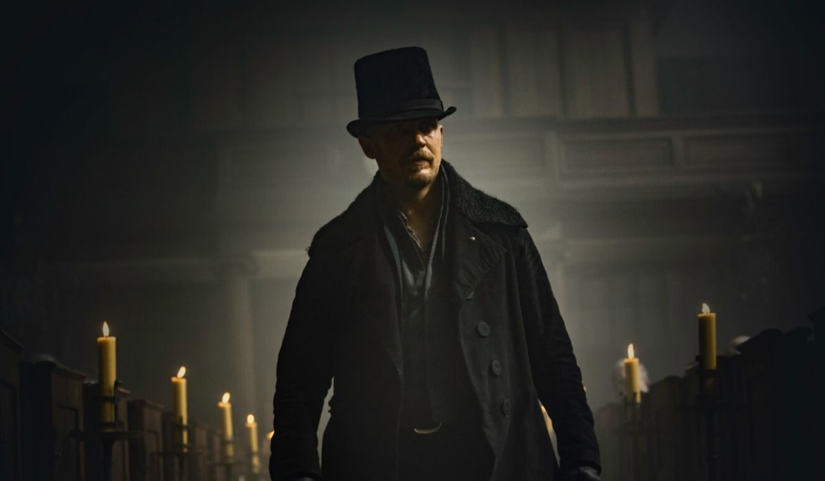 Tom Hardy in Taboo serie tv Credits Sky