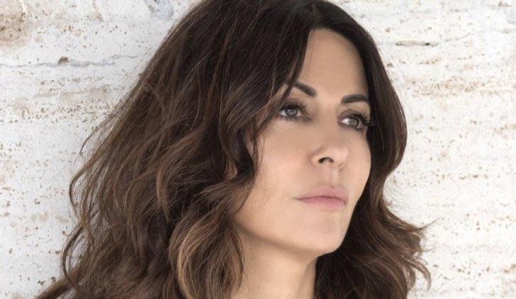 Sabrina Ferilli è Rosa ne L'amore strappato fiction Credits Mediaset