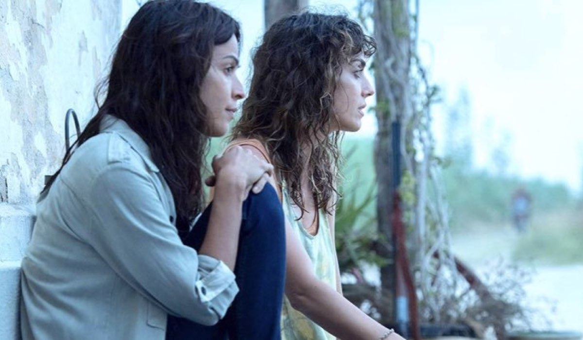 Il molo rosso serie tv spagnola El Ambarcadero Credits Movistar+ e RAI