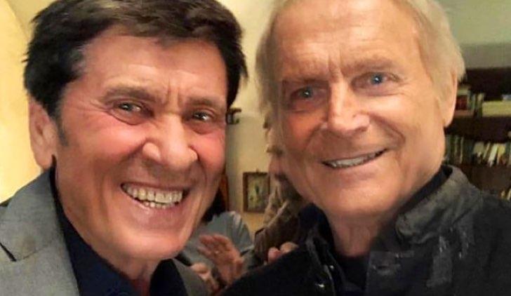 Gianni Morandi e Terence Hill sul set de L'Isola di Pietro 3 e Don Matteo 12 pubblicata su Instagram account ufficiale Terence Hill