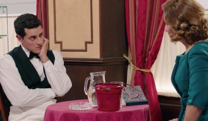 Il paradiso delle signore 4 Salvatore e Gabriella in caffetteria nella puntata 11 Credits RAI