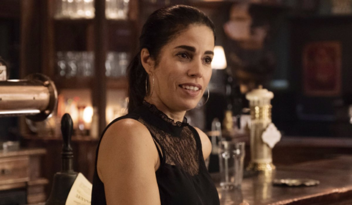 Whiskey Cavalier 1x02 ANA ORTIZ nei panni della DOTTORESSA SUSAN SAMPSON Credits Warner e Mediaset
