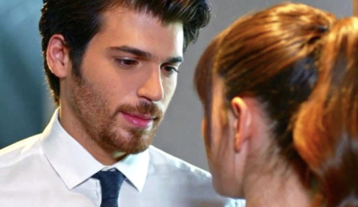 Ferit e Nazli in Bitter Sweet soap opera turca Credits Mediaset e Star tv