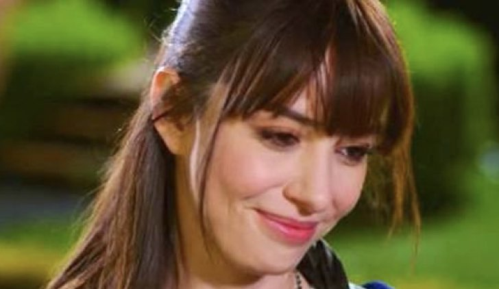 Nazli in Bitter Sweet - Ingredienti d'amore soap opera turca Credits Star tv e Mediaset