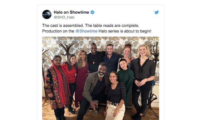 Foto con il cast completo di Halo serie tv. Post pubblicato dal profilo Twitter ufficiale di Halo su Showtime