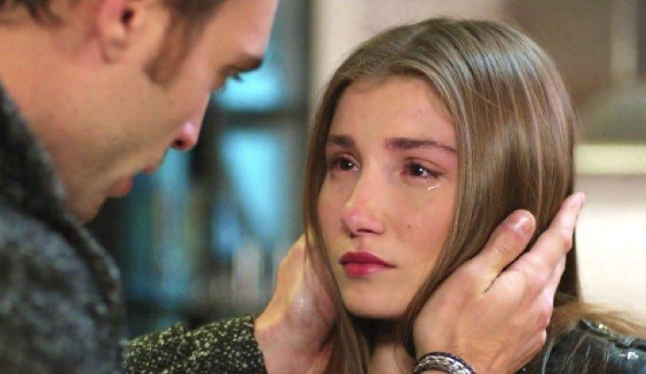 Deniz e Asuman in Bitter Sweet soap opera Credits Star tv e Mediaset