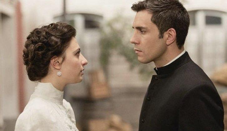 Lucia e Telmo in Una vita Soap Opera Credits Mediaset