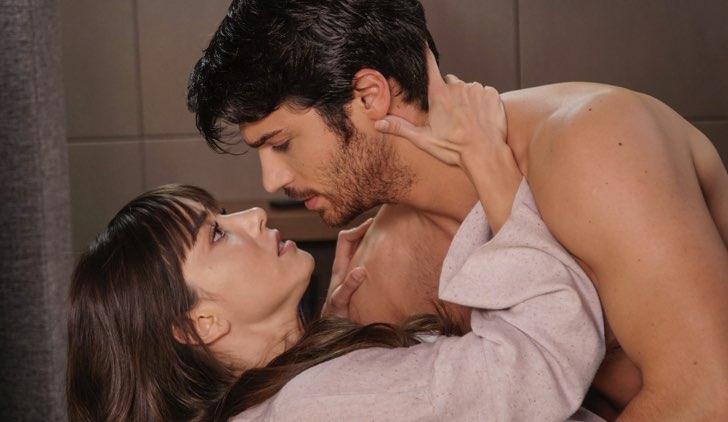 Nazli e Ferit in Dolunay soap opera Credits Star tv e Mediaset