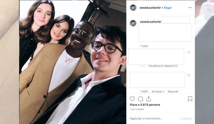 Sex Education 2 cast in un selfie pubblicato su Instagram dall account sexeducationbr