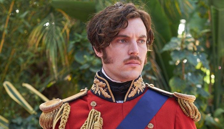 Victoria 3 Albert è interpretato da Tom Hughes Credits LaF