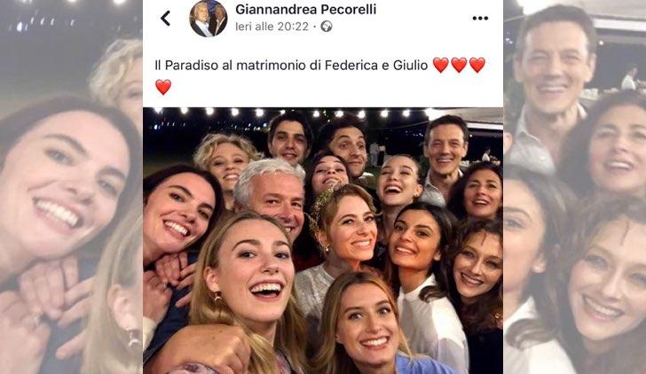 Il paradiso delle signore Federica De Benedittis e Giulio Maria Corso si sono sposati foto pubblicata dal produttore Giannandrea Pecorelli su Facebook con parte del cast
