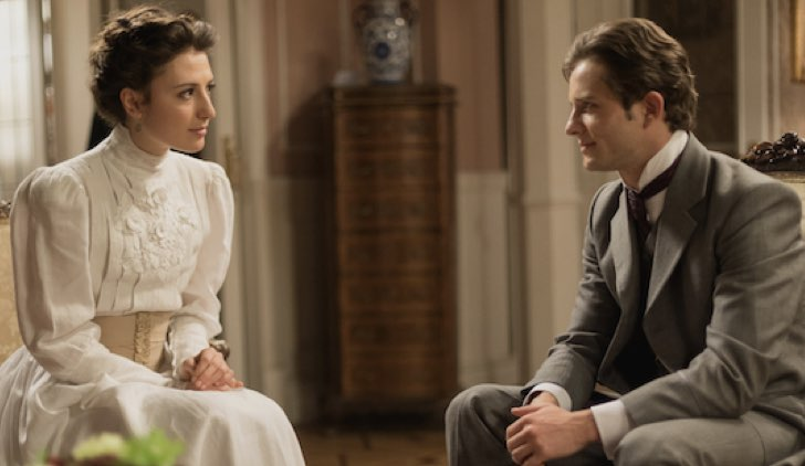 Lucia e Samuel n Una vita Soap Opera Credits Mediaset