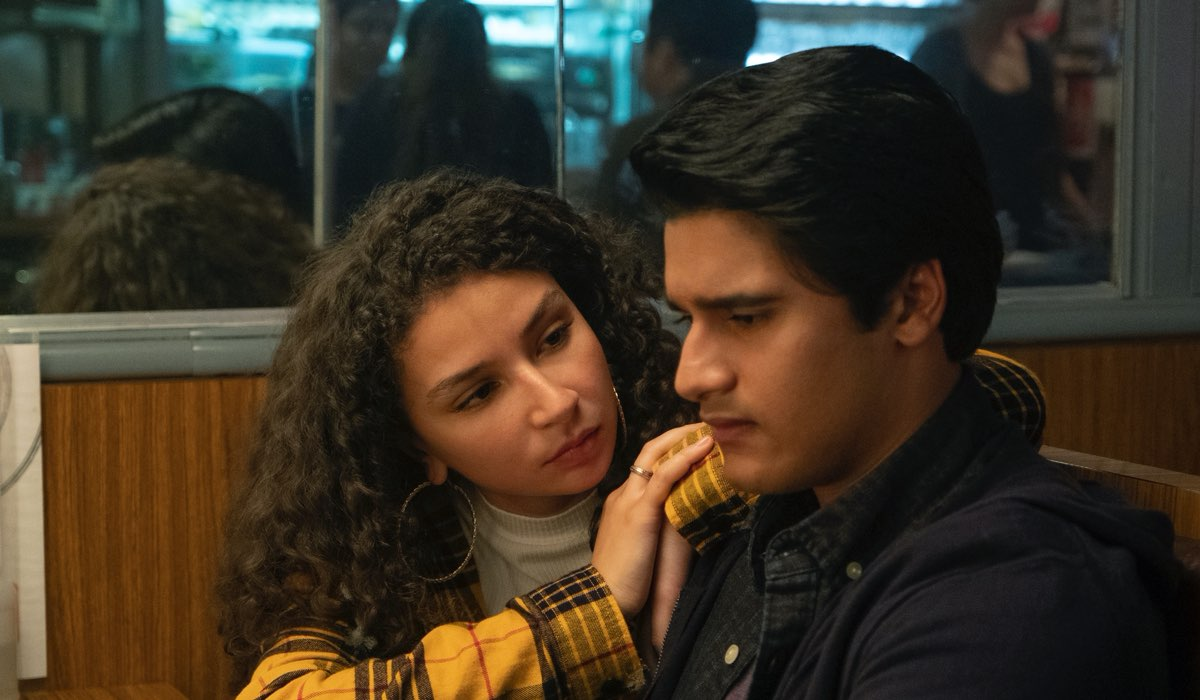 MARCELA AVELINA as FLORA MEJIA and AMIR BAGERIA as SID PAKAM in episode 103 of GRAND ARMY. Credits JASPER SAVAGE e NETFLIX
