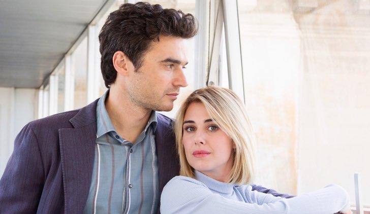 Oltre la soglia nel cast e Paolo Briguglia nei panni di Alessandro e Nina Torresi che è Barbara Credits Mediaset