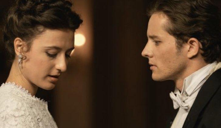 Samuel e Lucia in Una Vita soap opera Credits Mediaset