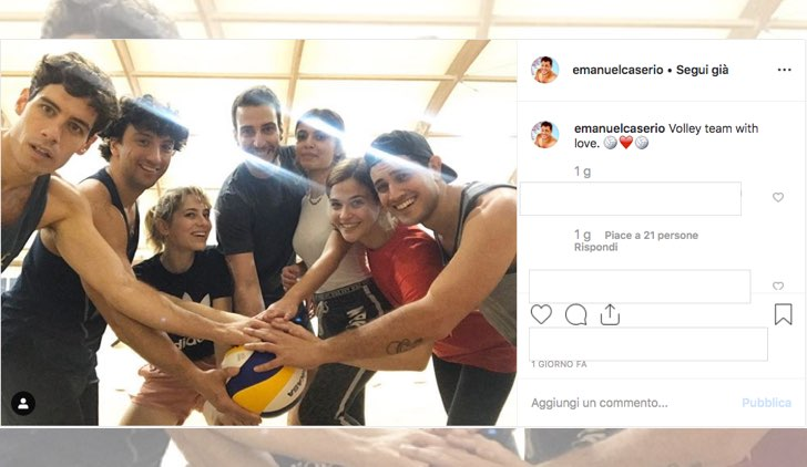 Il Paradiso delle Signore 4 attori insieme per giocare a beach volley foto pubblicata da Emanuel Caserio sul suo account Instagram