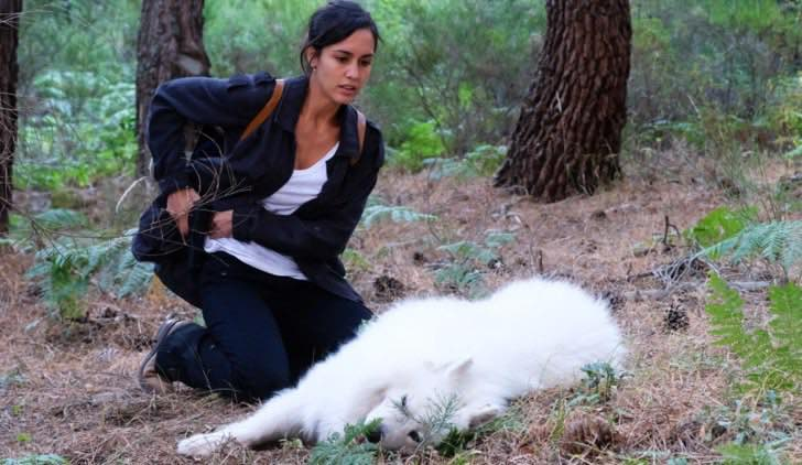 La Caccia Monteperdido MEGAN MONTANER alias SARA CAMPOS nell'episodio 1 Credits CORPORACION RTVE e Mediaset