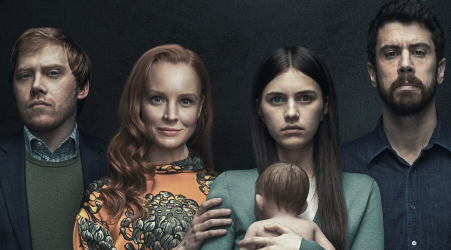 Da sinistra: Rupert Grint, Lauren Ambrose, Nell Tiger Free e Toby Kebbell in Servant. Credits: Apple TV+.