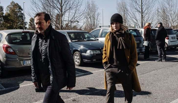 Simone Colombari e Vittoria Puccini ne Il Processo fiction Credits Mediaset