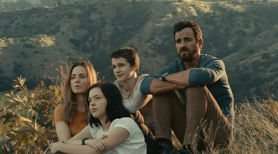 Justin Theroux, Melissa George, Logan Polish e Gabriel Bateman In The Mosquito Coast.Credits: Apple Tv Plus