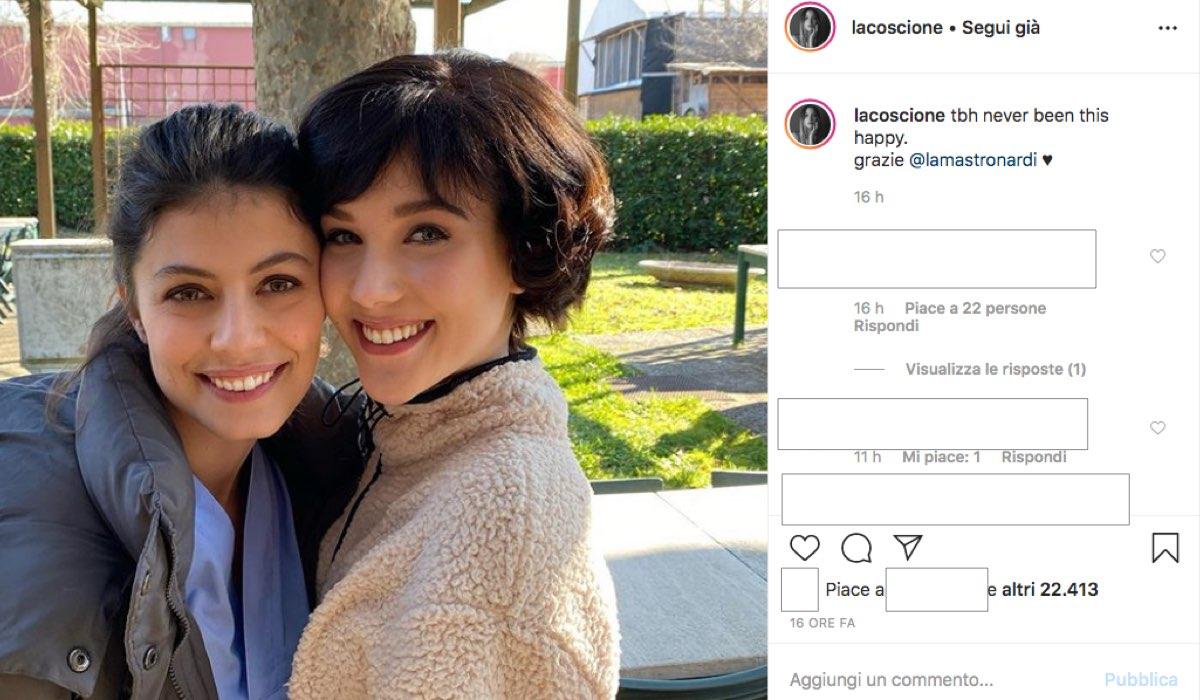 Alessandra Mastronardi e Ludovica Coscione durante le riprese de L'Allieva 3 e Il Paradiso delle Signore 4 ai Videa Studi Televisivi, foto pubblicata sul suo profilo Instagram da Ludovica Coscione