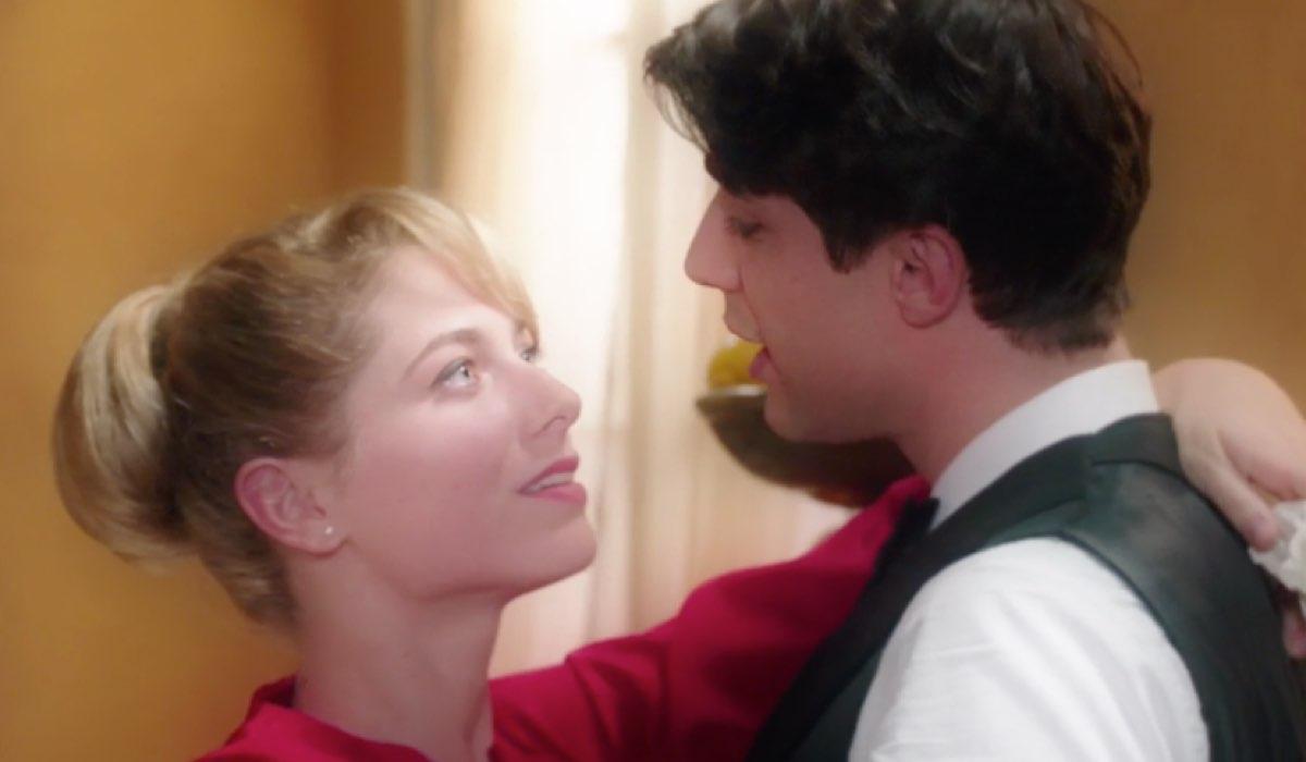 Il Paradiso delle Signore 4 Roberta ripensa all abbraccio dato a Marcello dopo la vincita Credits RAI