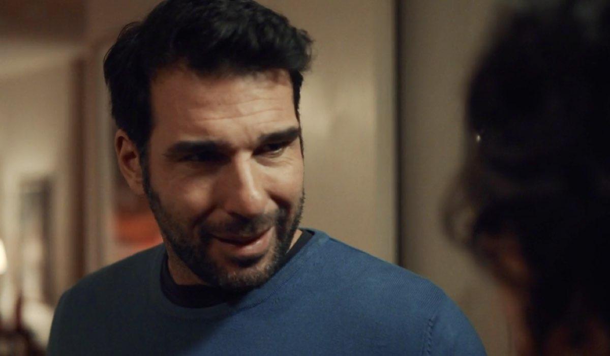 Ognuno è perfetto fiction con Edoardo Leo, qui nel primo episodio della prima stagione Credits RAI