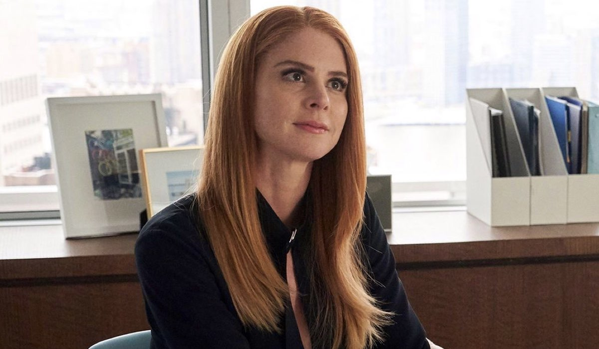 Suits 9 Sarah Rafferty nei panni di Donna Paulsen nel terzo episodio della stagione Credits USA Network