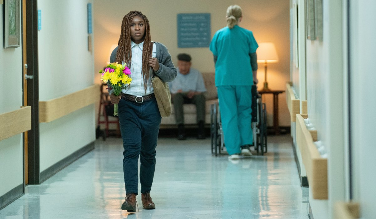 The Outsider serie tv tratta dal libro di Stephen King, qui Cynthia Erivo in un ospedale nei panni di Holly Gibney Credits HBO e SKY