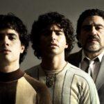 Da sinistra: Nicolás Goldschmidt, Nazareno Casero e Juan Palomino in una prima foto di Maradona: Sueño Bendito. Credits: Amazon Prime Video.