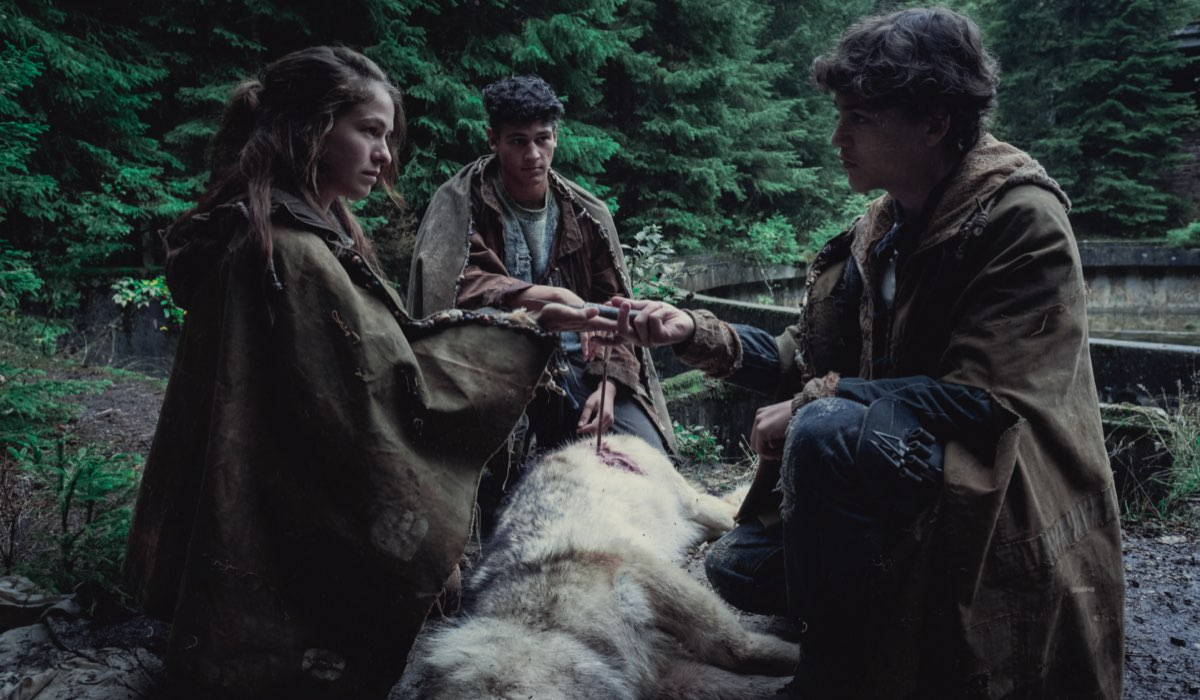 Da sinistra: i tre fratelli Liv (Henriette Confurius), Kiano (Emilio Sakraya) ed Elja (David Ali Rashed) degli Origine. Credits: Gordon Timpen/Netflix.