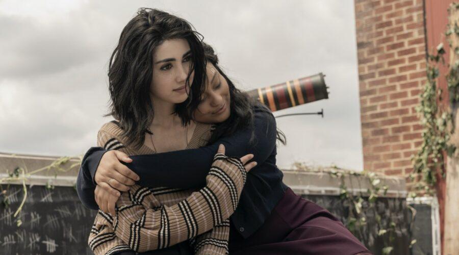 Alexa Mansour e Aliyah Royale nei panni di Hope e Iris The Walking Dead World Beyond Credits AMC e Prime Video