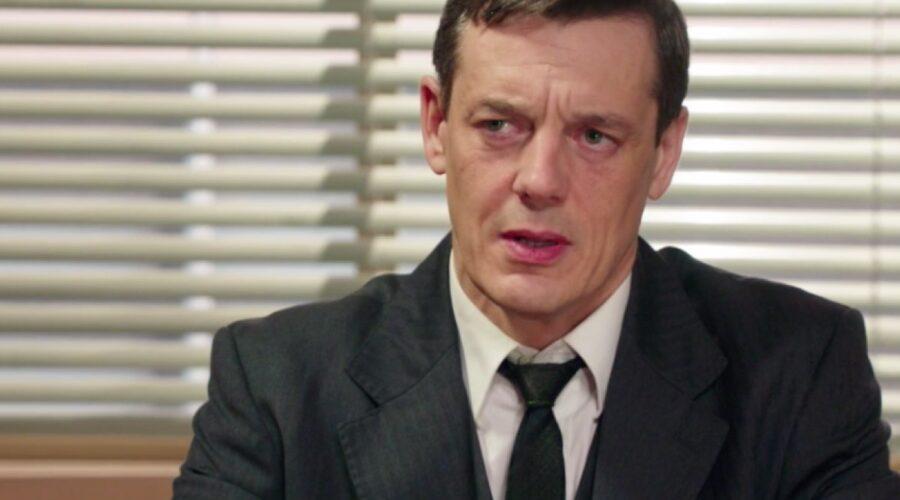 Il Paradiso delle Signore 4 Luciano interpretato da Giorgio Lupano nella puntata 73 Credits RAI