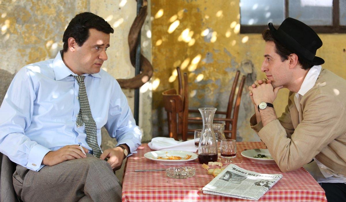 Permette Alberto sordi con Edoardo Pesce, qui Sordi e Fellini Credits Rai Fiction e Ocean Productions