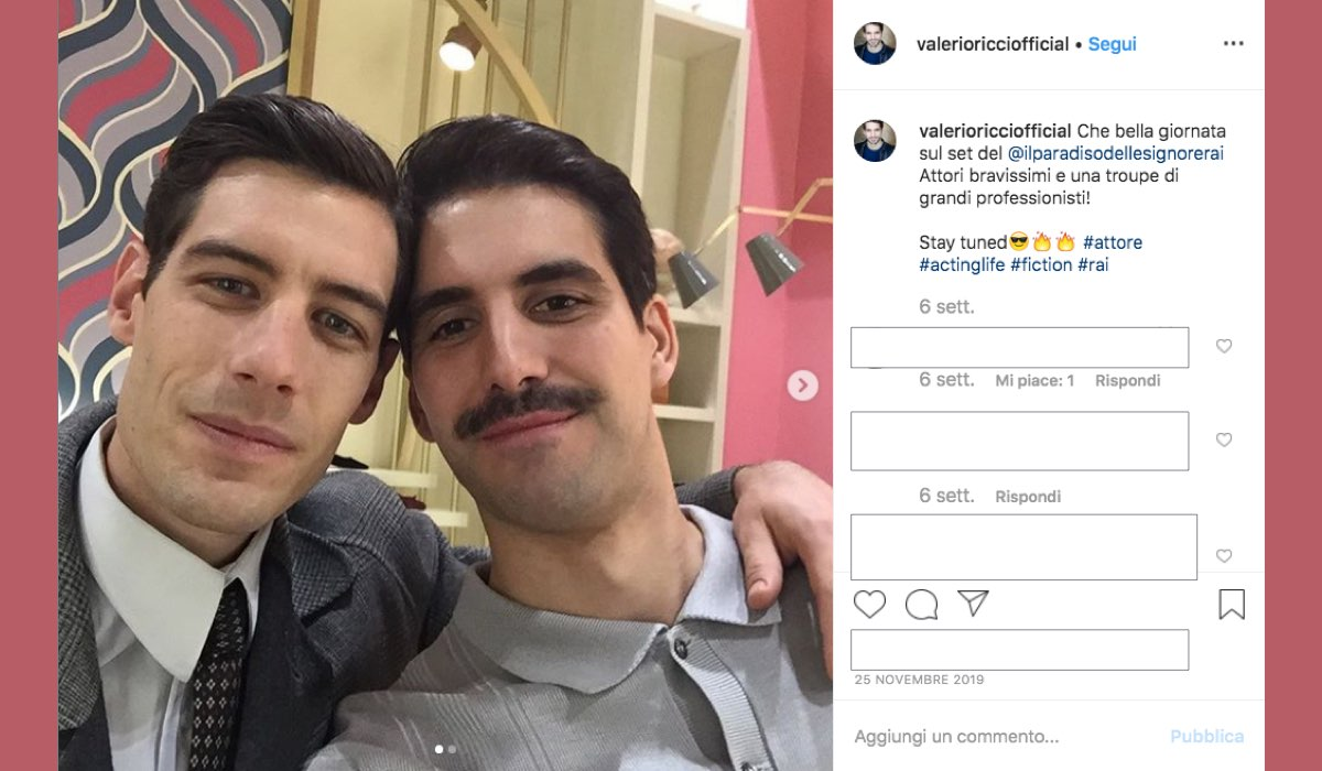 Valerio Ricci sul set de Il Paradiso delle Signore 4 con Enrico Oetiker a novembre 2019 foto pubblicata sul suo profilo Instagram valerioricciofficial