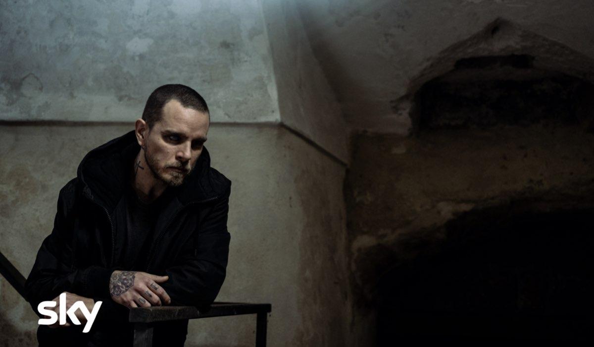 Arturo Muselli è Enzo Sangue Blu in Gomorra 5. Ph. credit: Marco Ghidelli/Sky Italia.