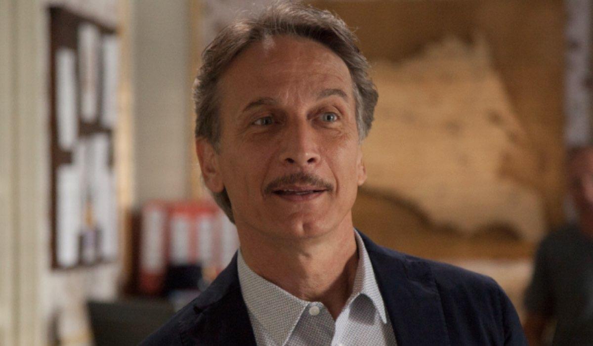 Il Commissario Montalbano Cesare Bocci è Mimì Augello, qui nell'episodio Salvo Amato Livia Mia Credits foto di Duccio Giordano e RAI