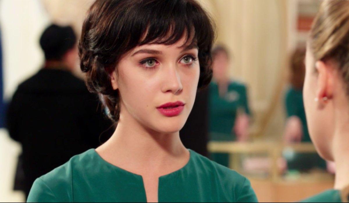 Il Paradiso delle Signore 4 Marina Fiore interpretata da Ludovica Coscione mentre parla con Angela Barbieri interpretata da Alessia Debandi nella puntata 76 Credits RAI