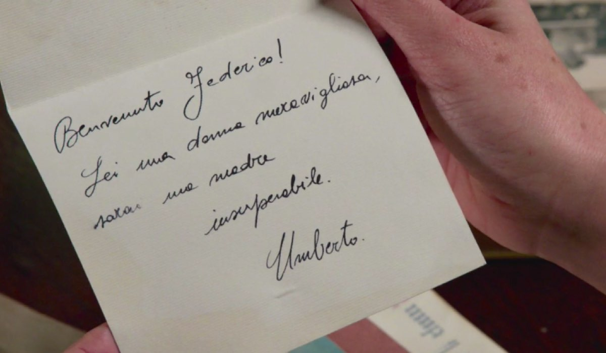 Il Paradiso delle Signore 4 Silvia Cattaneo interpretata da Marta Richeldi nella puntata 79 legge il terzo biglietto scrittole da Umberto Credits RAI