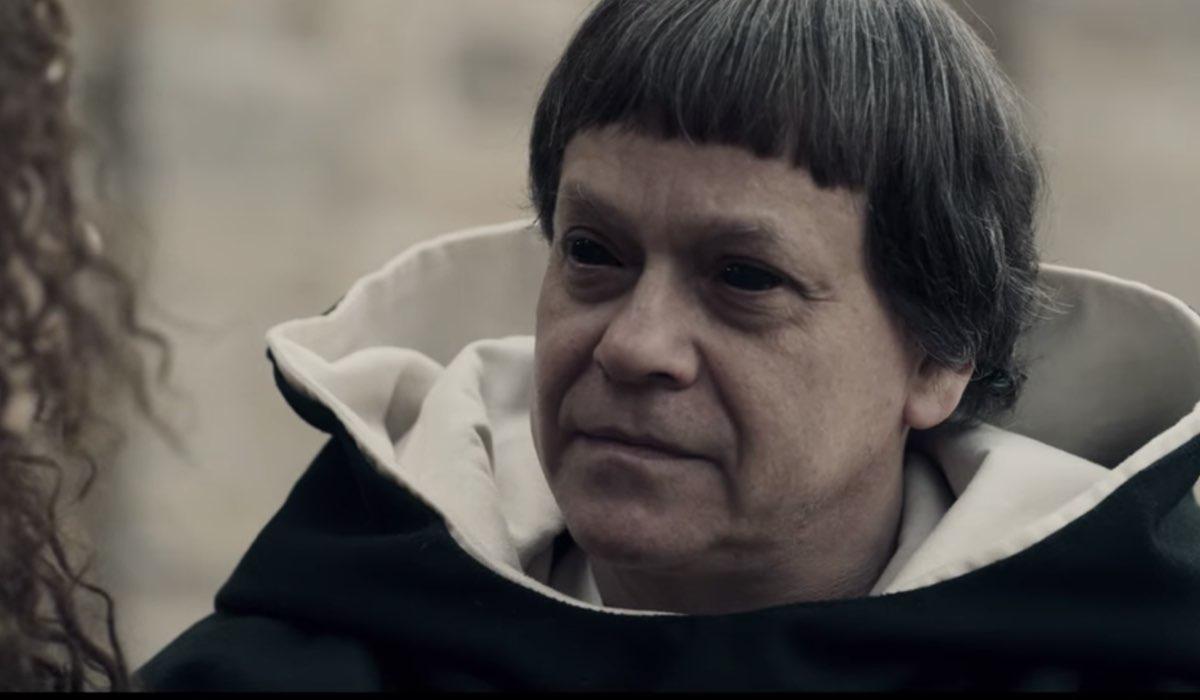 Roberto De Francesco nei panni di Oreggi in Luna Nera. Credits Netflix
