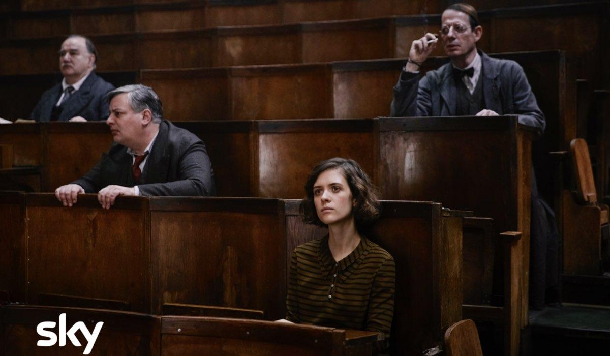 Babylon Berlin 3 stagione con Liv Lisa Fries nei panni di Charlotte Ritter, qui in una scena del decimo episodio Credits SKY