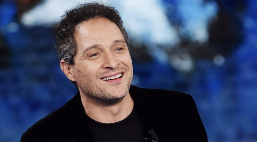 Claudio Santamaria è nel cast della fiction Inchiostro contro Piombo, qui a Che Tempo Che Fa il 9 febbraio 2020 Credits Stefania D'Alessandro e Getty Images