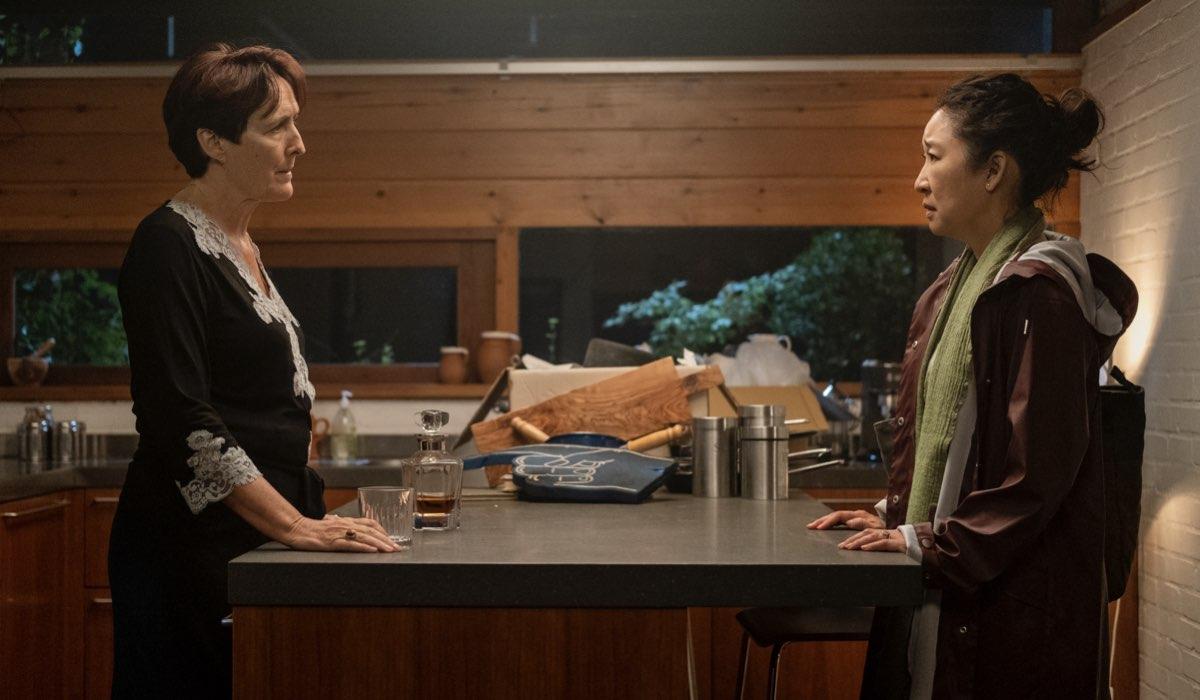 Da sinistra, Fiona Shaw e Sandra Oh in Killing Eve 3. Credits Timvision