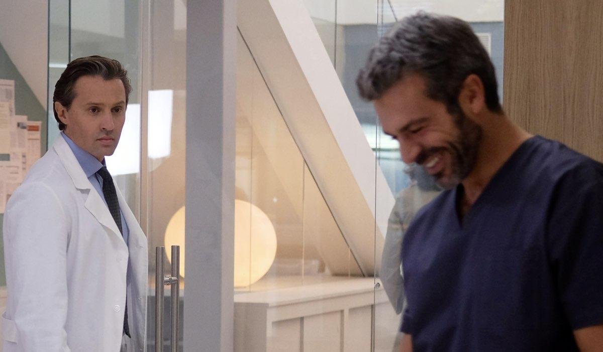 Doc - Nelle tue mani Marco Sardoni e Andrea Fanti rispettivamente interpretati da Raffaele Esposito e Luca Argentero Credits RAI